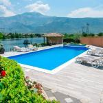 Villa Ana Pool and River View