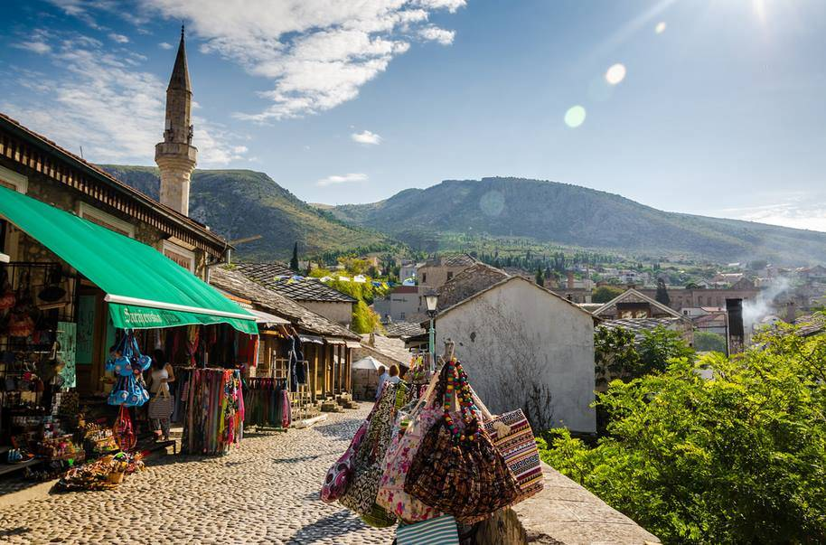 Mostar-Old-town-Hit-Booker-1